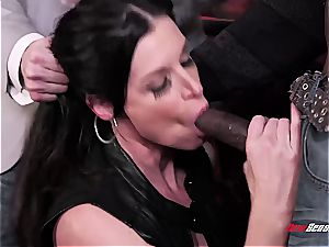 steamy wife India Summer climaxing on a ebony rod
