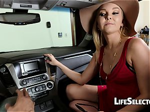 talkative mummy Aaliyah love gives a bj in your car