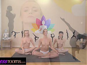 fitness rooms Yoga girl/girl centipede puss slurping