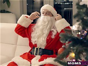 Santa's ultra-kinky Helpers In Christmas 3 way S9:E7