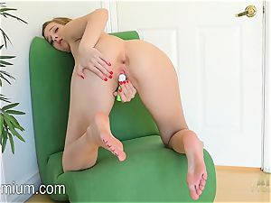 Molly Manson heads ass-up in the tabouret